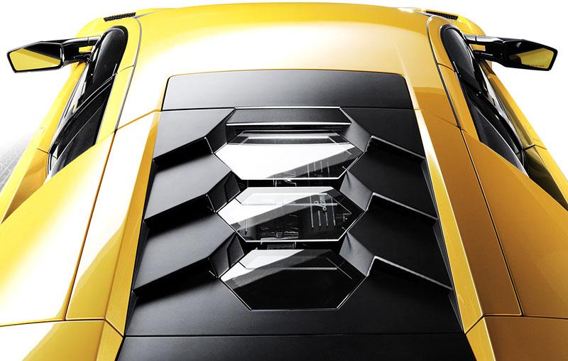 Autosalon Ženeva: Lamborghini Murciélago SV - fotogalerie: - fotka 17