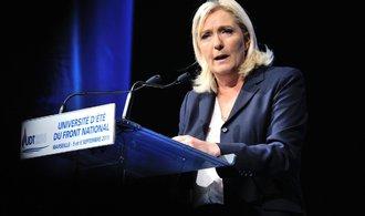 Změní se Francie? Le Penové ve volbách nahrává slabá ekonomika i vysoká nezaměstnanost