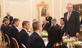 Glosa Martina Čabana: Unesená vláda