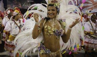 GALERIE: V Riu začal karneval, Brazilci jsou kvůli ekonomickým problémům doma