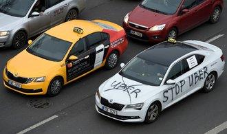 Taxikáři chystají další protesty proti aplikacím. Čtěte, na čem se strany sporu neshodnou