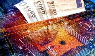 Hackeři napadli ukrajinské banky a podniky, problémy má i ruská pobočka Home Creditu