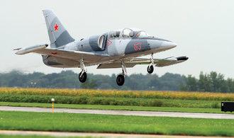 Trosky zříceného letadla L-39 se našly v moři, ruští piloti jsou dál nezvěstní