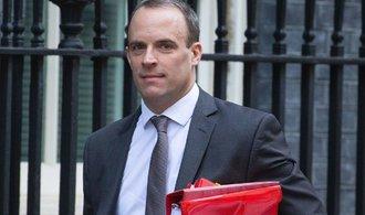 Britský ministr pro brexit Raab rezignoval