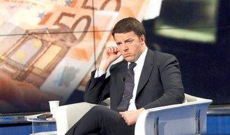 Italský premiér po prohraném referendu končí. Ve funkci počká na nástupce