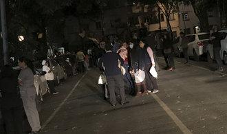 Jih Mexika zasáhlo silné zemětřesení, v metropoli se třásly domy