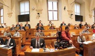 Senát jednoznačně odmítl zákon o kontrole veřejných financí, bojí se bobtnání byrokracie