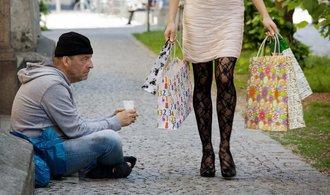 Díky sociálním dávkám jsou Češi nejméně ohroženi chudobou v Unii