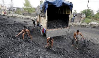 Uhlí je v kurzu. Spojené státy, Čína a Indie zvyšují těžbu
