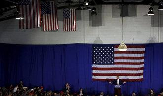 Donald Trump sn�il n�skok Clintonov�. �Je to zmanipulovan� syst�m,� zopakoval Trump