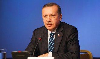 Turecko prudce zvýšilo dovozní clo na některé americké zboží