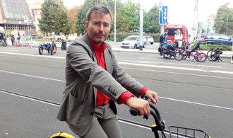 Praha je na kole geniálně průjezdná, říká Jakub Ditrich z bikesharingu Ofo