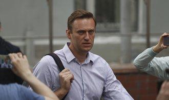 Oponent Kremlu Navalnyj byl zadržen při odchodu z věznice