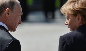 Putin se na Trumpovu inauguraci dívat nebude, Merkelová ji bude podrobně studovat