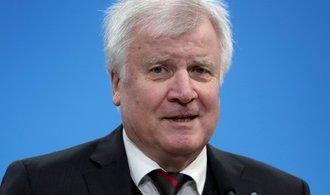 Brusel se k východoevropským státům chová povýšeně, míní německý ministr vnitra