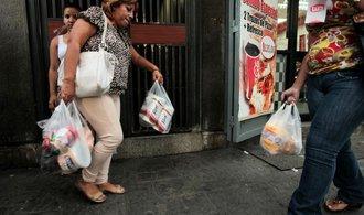 Venezuele docházejí léky, prezident Maduro žádá OSN o pomoc