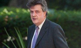 Britsk� eurokomisa� Jonathan Hill rezignoval, agendu p�evezme Dombrovskis