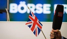 Britsk� parlament vy�et�uje podvodn� podpisy pod petic� o brexitu