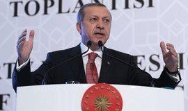 Erdogan po��dal rodinu sest�elen�ho rusk�ho pilota o odpu�t�n�