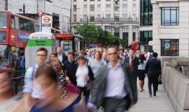 S&P splnila hrozbu, odebrala Brit�nii �pi�kov� rating
