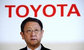 Toyota po cel�m sv�t� svol�v� 3,4 milionu aut kv�li airbag�m a n�dr��m