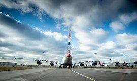 Brit�nie odlo�� rozhodnut� o nov� vzletov� dr�ze na leti�ti