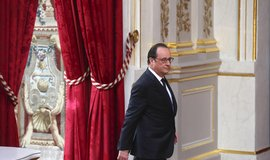 Hollande p�ijede do �eska ve st�edu. P�ijet� na Hrad� se z��astn� i Babi�