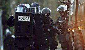 �to�n�ci ve Francii zabili far��e, policie je zast�elila