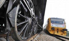 Parn� lokomotivy pln� uhl� a vody v Plzni otestovaly nov� �elezni�n� mosty