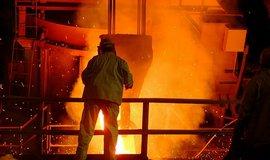 ArcelorMittal zv�il provozn� zisk v�ce ne� o �tvrtinu, p�ekonal odhady