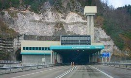 Putinova n�v�t�va Slovinska komplikuje cestu na Jadran, tvo�� se kolony