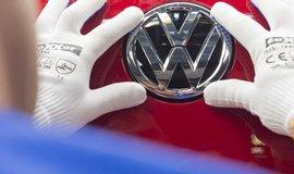 VW za obnovu v�roby zaplat� 13 milion� eur, �tvrtinu ��dan�ch kompenzac�