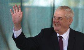 Zeman: �esko by m�lo navrhnout zru�en� sankc� EU v��i Rusku