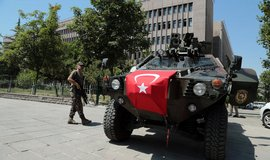 V�buch v Turecku zabil dev�t lid�, zranil des�tky dal��ch