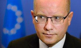 Sobotka a Orb�n cht�j� na bratislavsk�m summitu jednat o arm�d� EU