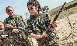 Kurdov� �ekaj� �tok spojenc� Turecka, opev�uj� se v severosyrsk�m m�st�