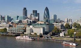 Lond�n je nejvzd�lan�j��m evropsk�m m�stem. Praha p�edb�hla Berl�n