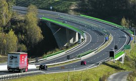 D�lnice D11 a D3 se do�kaj� nov�ch �sek� za 21 miliard