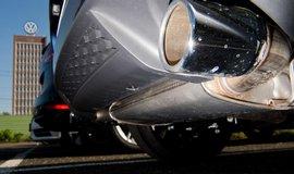 VW svol�v� do servis� p�es t�icet tis�c voz� s pohonem na zemn� plyn