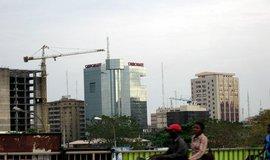 Nejv�t�� ekonomiku Afriky sr�� levn� ropa, Nig�rie spadla do recese