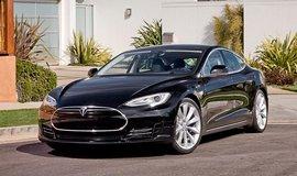 Tesla �aluje americk� st�t Michigan. Zak�zal j� prod�vat auta z�kazn�k�m