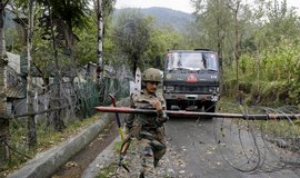 Vyv��te terorismus, zvk�zal Indick� premi�r sousedn�mu P�kist�nu