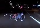 Policie uvolnila video nehody autonomního vozu Uberu. Na čí straně je vina?