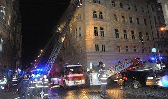 Požár v pražském hotelu má třetí oběť. Podlehla zraněním v nemocnici
