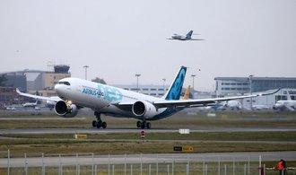 Airbus poprvé vzlétl s novým letounem, má ukrojit tržní podíl Boeingu