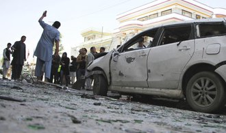 Sebevražedný útok v Kábulu. O život přišlo nejméně 57 osob