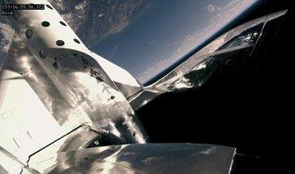 Bransonova loď VSS Unity vyvezla do kosmu první pasažérku