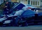 Nabouraný McLaren Senna nevypadá o nic lépe. Řidič se střetl s dalším autem