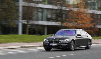 Policie nakoupila limuzíny BMW za 50 milionů. Mají masážní sedadla a umí rozpoznat zvěř u silnice