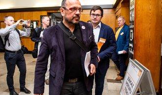 Foldyna je připraven žádat ústřední výbor ČSSD o důvěru, Hamáček už ji má od poslanců